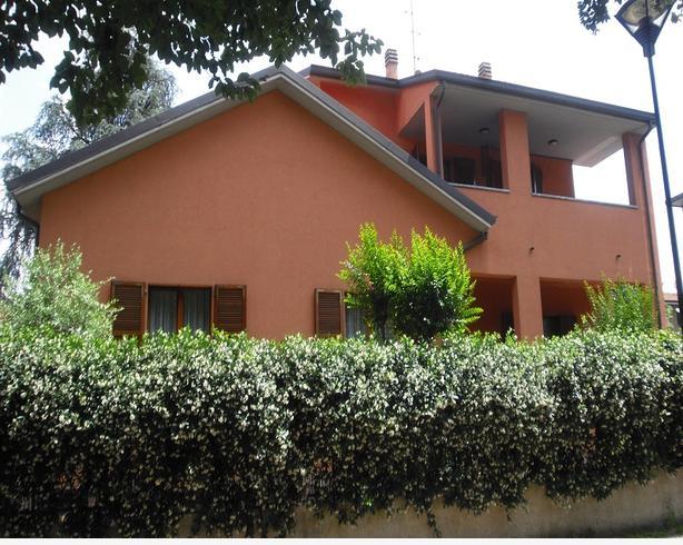 Studio Marelli s.n.c. - Vendesi Villa a Cinisello Balsamo